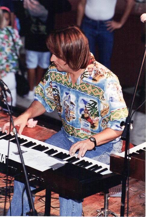 Piano Sing-a-long w/ Karl Berkebile